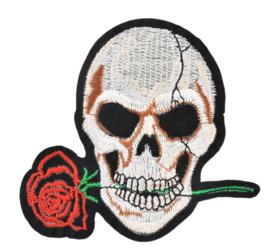 Doodskop met roos