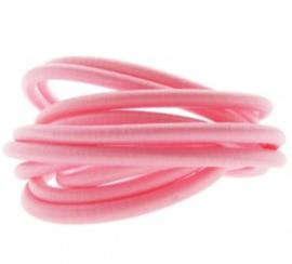 Roze.  25 cm