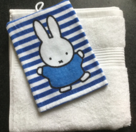 Handdoek met naam en Nijntje washandje
