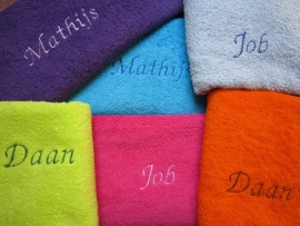 Handdoeken met naam. 50 x 100 cm