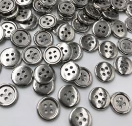 Zilverkleurig knoopje. 12 mm