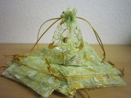 Groen met gouden tulpjes