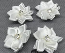 Bloemen met strass wit