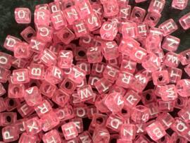 Roze / wit.  6 x 6 mm.  25 voor