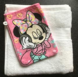 Handdoek met naam met Minie washandje