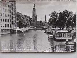 Breda, Gezicht op de toren van de Grote Kerk, 1969