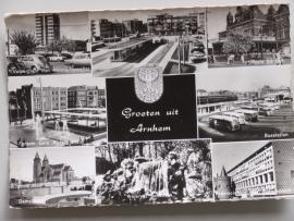 Arnhem groeten uit, met oa busstation