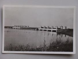 Kornwerderzand, Spuisluizen Afsluitdijk (1952)