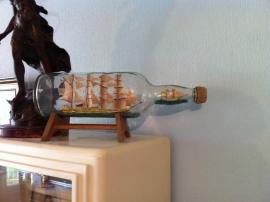 Volgetuigde 4-master in glazen fles