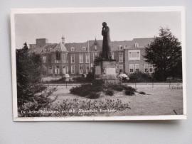 Enschede, Dr Ariens Monument (1957)
