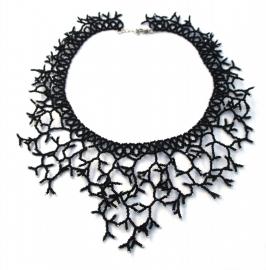 Twigs Necklace- zwart met witte uiteindes