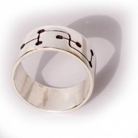 7 holes ring