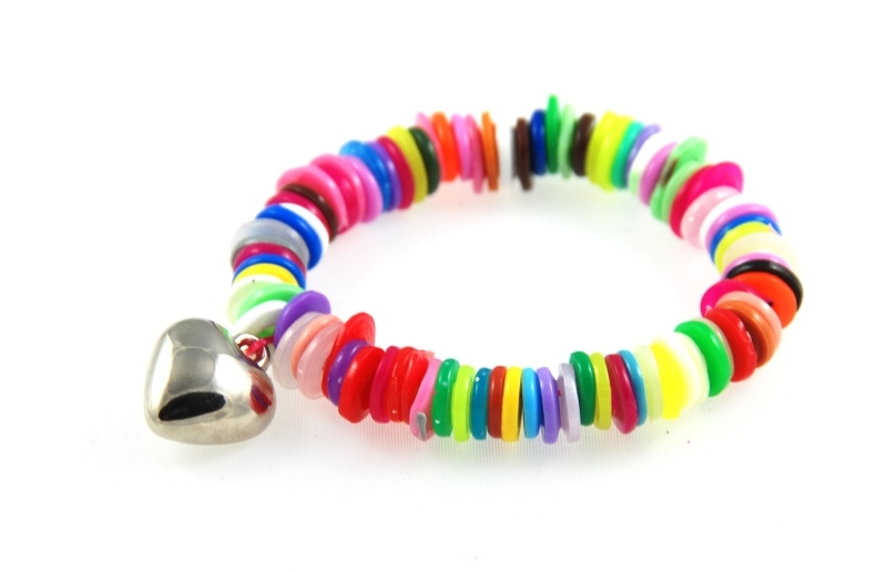 regenboog armbandje met glad hartje