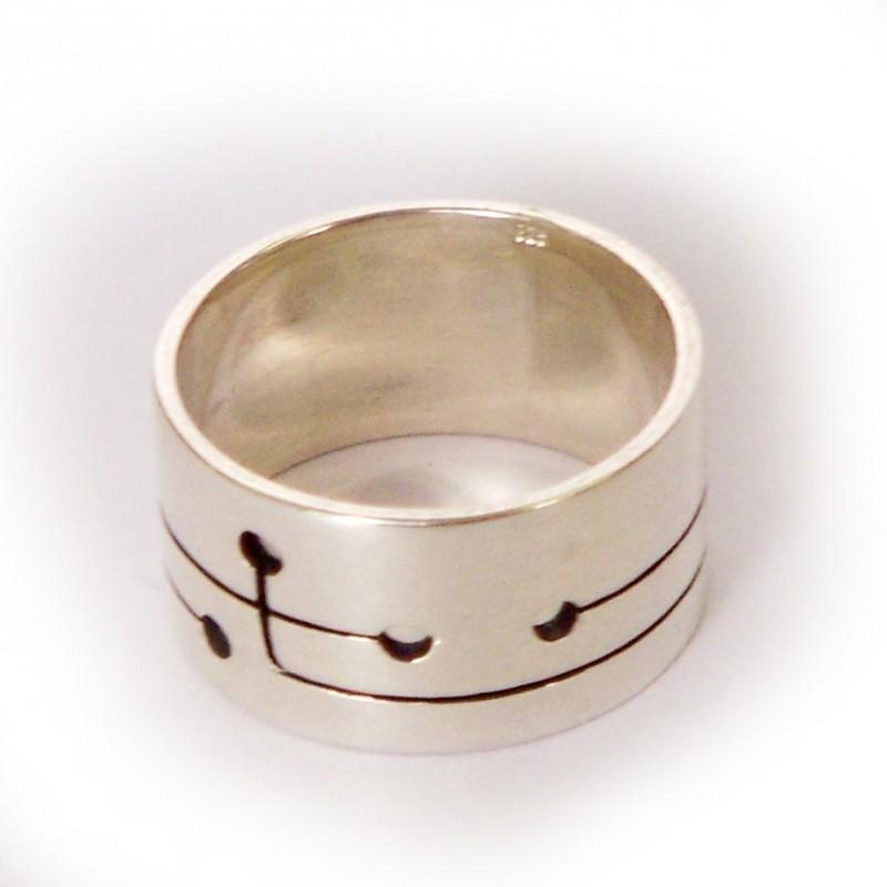 4 holes ring