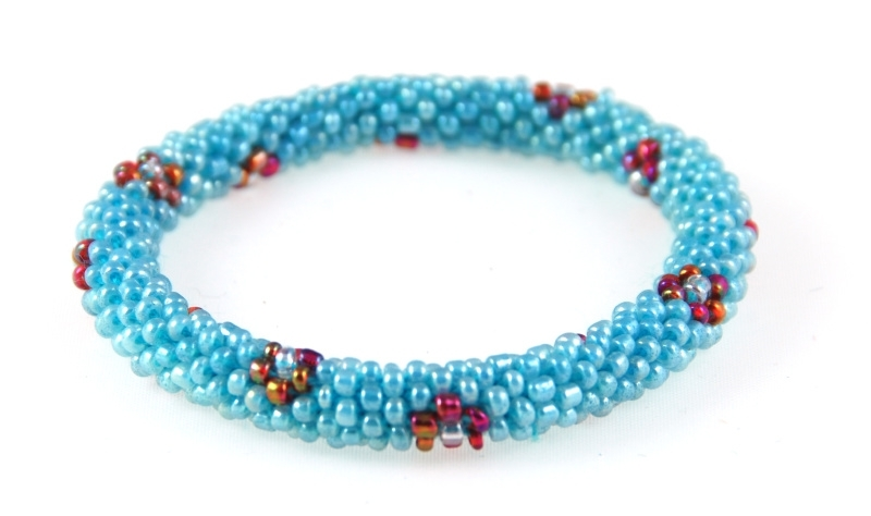 Armbandje blauw - bloemetje