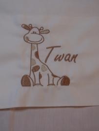 Lakentje `Girafje` met naam