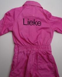 Roze overall met zwart garen
