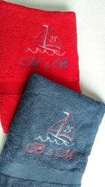 Handdoek 'Zeilboot' met naam borduren