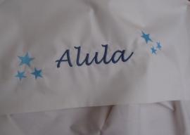 Lakentje met Marineblauwe naam en babyblauwe sterretjes