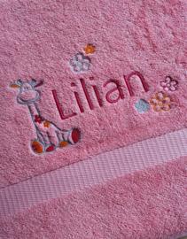 Handdoek Laten Borduren.Prachtige Handdoek Met Naam Laten Borduren Bij Aylane