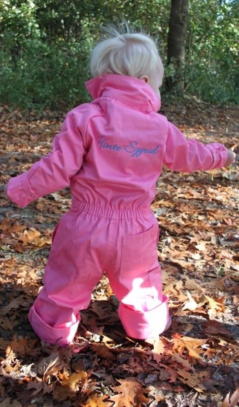 Roze overall met aqua garen