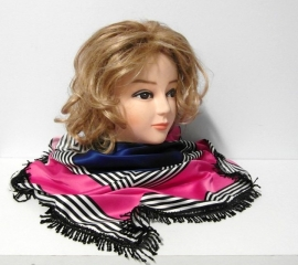 Damesshawl art. 3672 - zwart/wit/roze/blauw