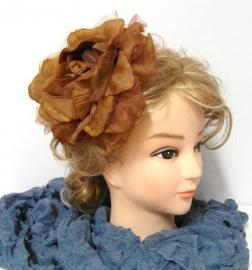 Roos voor in het haar of op revers art. 1405 - cognac
