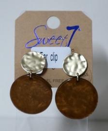 Sweet7 oorclip art. 5212 - goudkleur/cognac