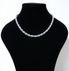 Halsketting gedraaid art. 12010 -zilverkleur