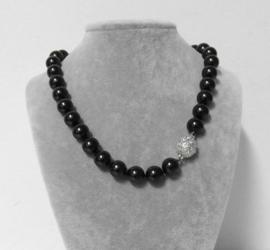 Parelketting met magneetsluiting art. 9100300220 dik - zwart/zilverkleur