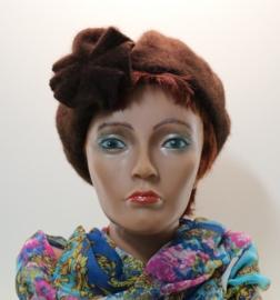 Damesbaret Kamelie - bruin