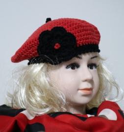 Gehaakte kinderbaret Ladybug - rood/zwart