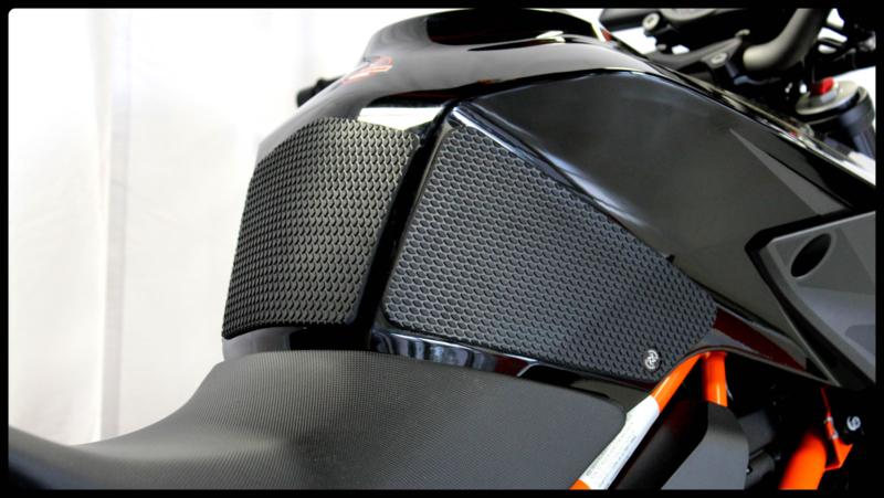 Techspec Snake skin KTM 1290 Superduke R (14>)