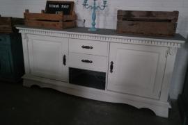 Brocante witte dressoirkast / keukenkast