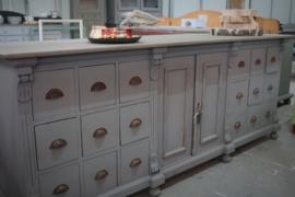 Grote dressoir / apothekerskast vintage grijs