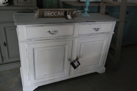 Klein dressoir wit brocante