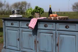 Buitenkeuken / dressoir bourgondisch vintage blue