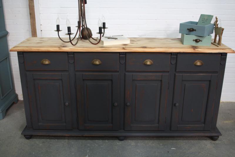 Industriële vintage dressoir kast