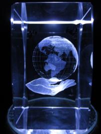 Laserblok Hand draagt Aarde