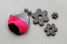 Portemonnee met naam zilver neon roze en zwart