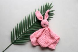 Babyknuffel met naam l.roze 2