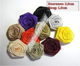 Satijnen roosjes in diverse kleuren 3cm prijs per 5 stuks