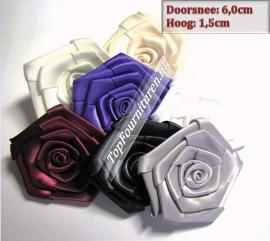 Satijnen bloemen in diverse kleuren 6cm doorsnee