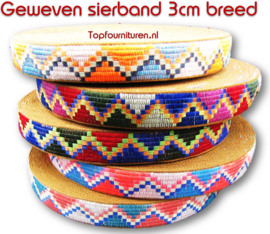 Sierband geweven