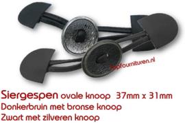 Sluiting leer met bronzen knoop