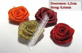 Bloemen 1,5 cm in diverse kleuren prijs per 5 stuks