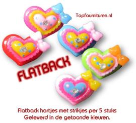 Flatback hartjes met strikjes per 5 stuks