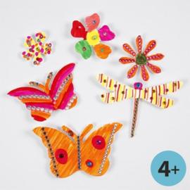 Kartonnen Bloemen en Vlinders