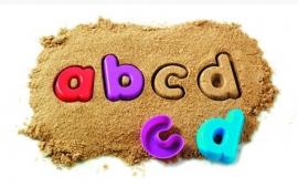 zandbak letters
