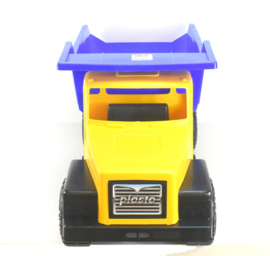 Plasto Giant Truck